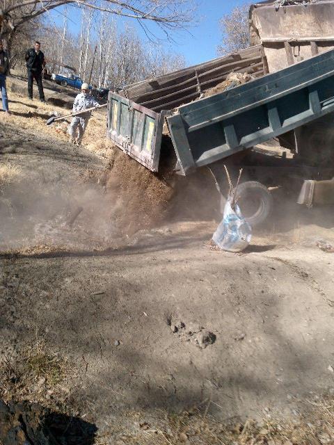 2 حلقه چاه غیر مجاز در لنجان پر و مسدود شد