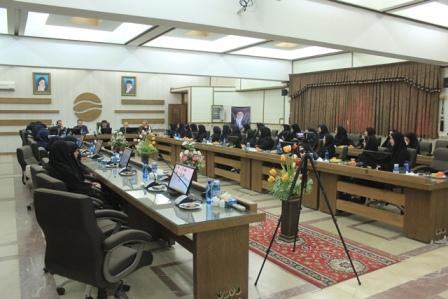 جشن ولادت حضرت فاطمه زهرا (س) و مراسم گرامیداشت مقام مادر و روز زن در آب منطقه ای اصفهان  برگزار شد